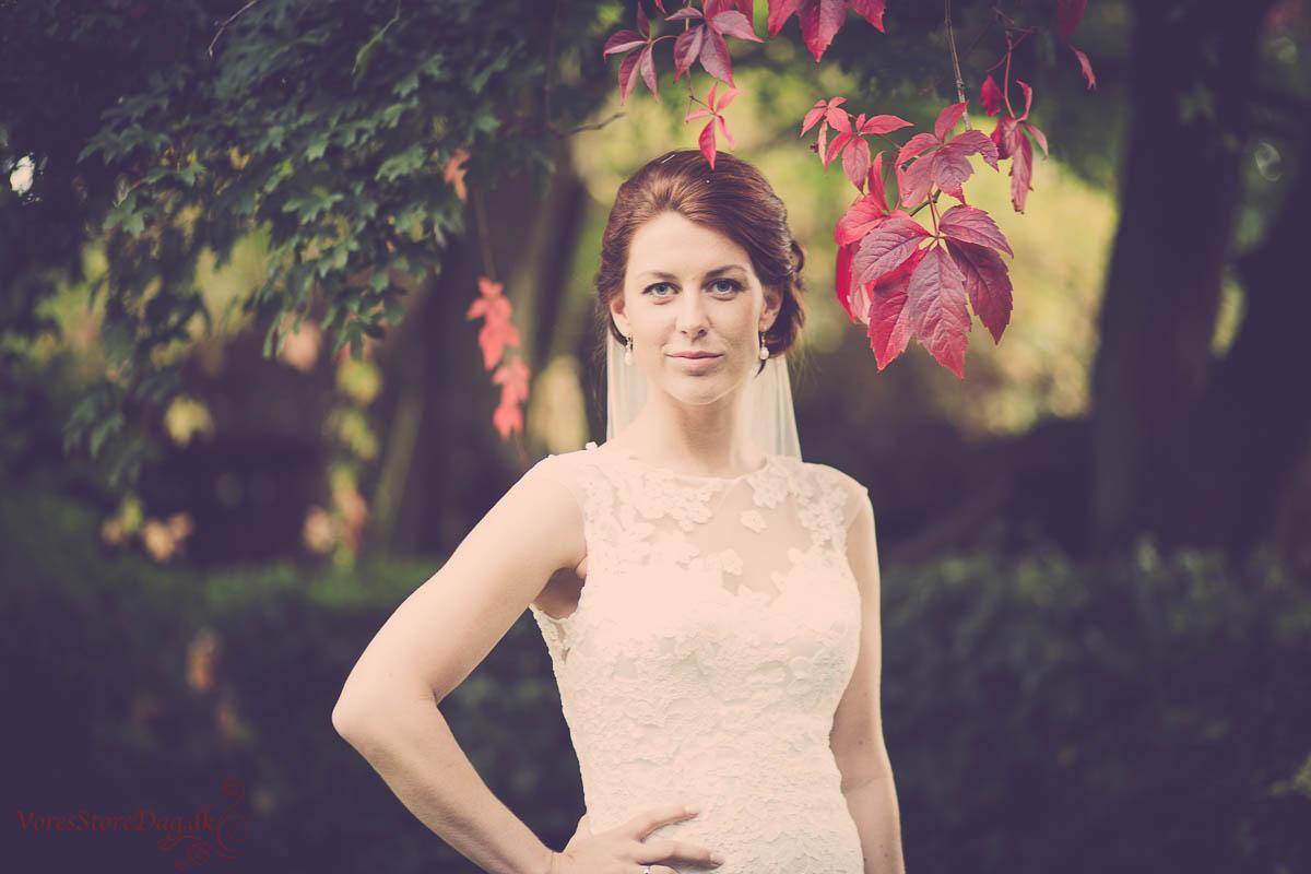 De fleste brude kan spare penge ved at lægge deres egen bryllupsmakeup